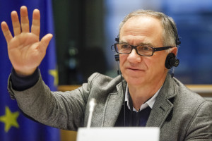 Éric Andrieu: subsidies should favour small farmers